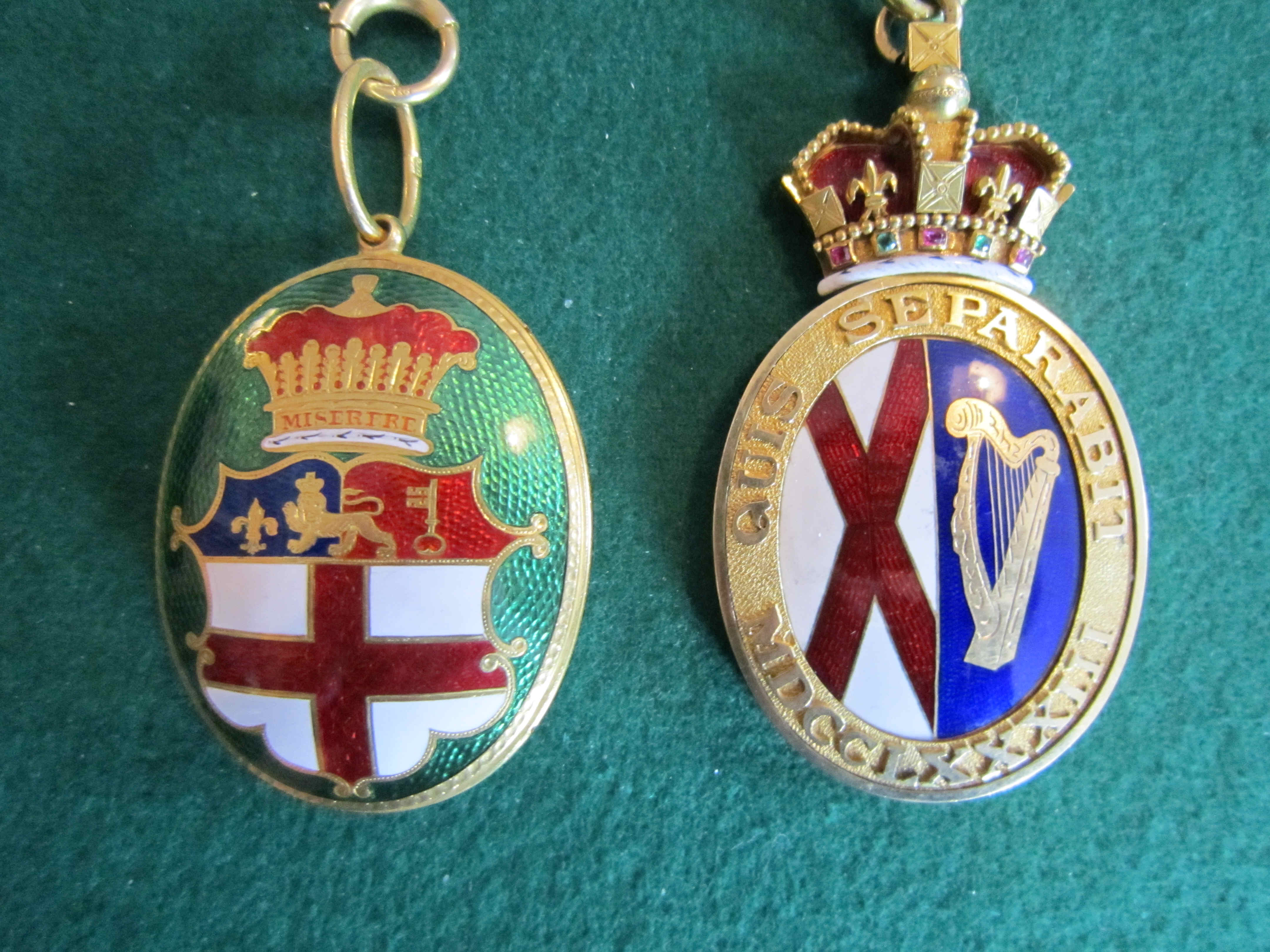 Norroy and Ulster badges