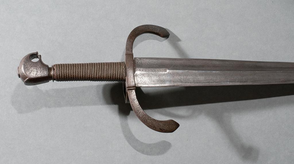 Dagger detail2 A4
